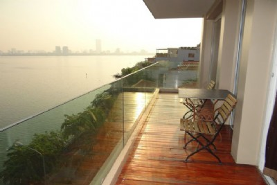 Elegant serviced apartment with lake view for rent in Quang An street
