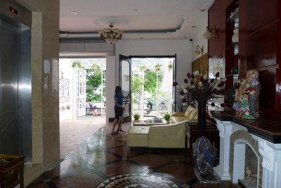 Lake View, One Bedroom Serviced Apartment For Lease in Hoang Cau, Dong Da district